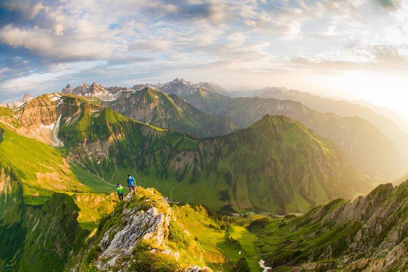 mountainering_7FigureswithChris